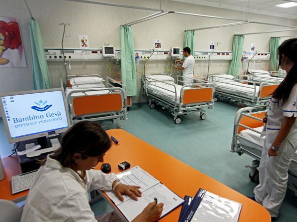 Tarquinia, violenza sessuale aggravata,  arrestato giovane fisioterapista dipendente presso un ospedale romano
