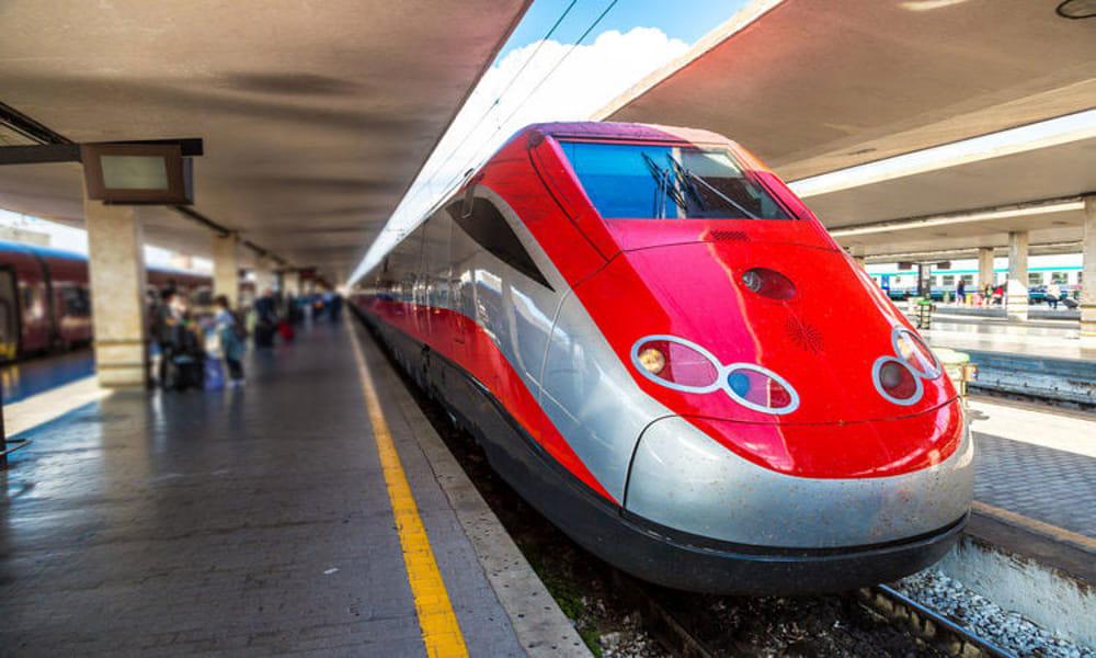 Vivere nell'Alto Lazio: il treno Freccia Rossa fermerà ad Orte, anzi no… I treni restano un'utopia in provincia di Viterbo, ma vuoi mettere le irresistibili gag made in Tuscia