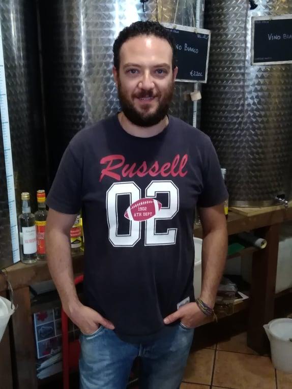 La Viterbo che resiste: la passione per i vini di Pietro Nottola, 12 anni di attività con il suo negozio Symphosium Vini