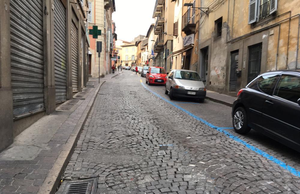 Viterbo, accoltellamento in via Cairoli: Fratelli d'Italia pone l'accento sugli affitti irregolari e l' alta prostituzione in zona San Faustino