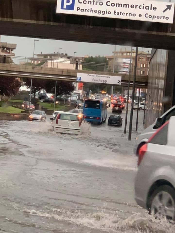 Viterbo, le prime piogge ed ecco che serve subito la patente nautica, le eterne emergenze cittadine