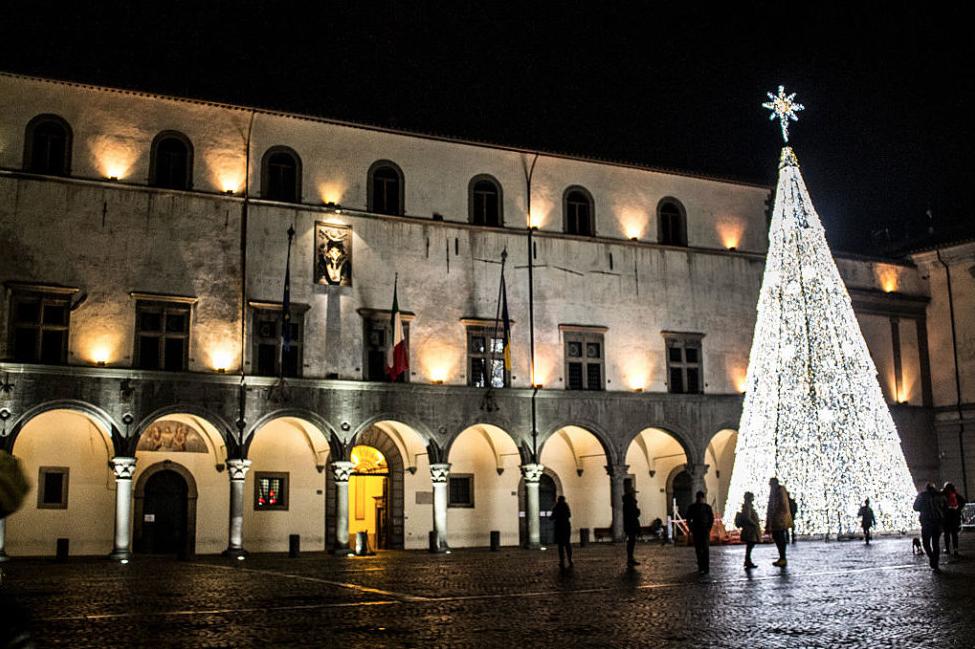 Viterbo, la nota: magari il problema di Viterbo fosse il villaggio di Natale invece che….
