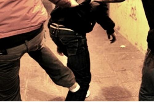 Aggredito dal branco vicino vicino alla stazione Roma-Viterbo, vittima un 14enne