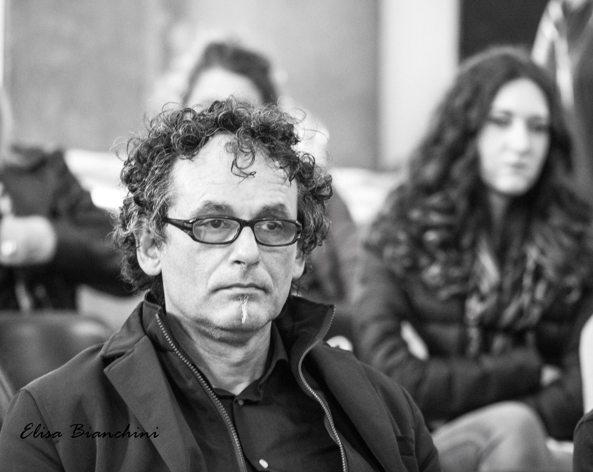 """Viterbo, ritratti da Palazzo dei Priori: il malinconico gregariato di Massimo Erbetti, pentastellato ondivago """"ipnotizzato"""" dalla """"ditta""""  Ricci-Barelli"""