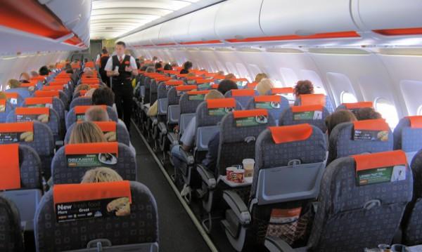 Parigi-Roma in 5 ore, atterraggi d'emergenza, rotte cambiate, controlli per il Coronavirus, un'odissea: il racconto dei testimoni a RomaToday