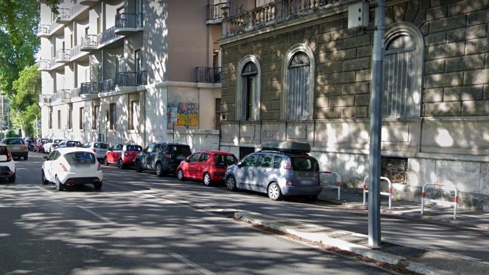 Roma, Lungotevere Michelangelo, ennesima tragedia della strada: auto contro scooter, muore un uomo di 62 anni