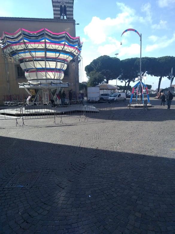 """Viterbo, """"benvenuti a Tamarronia, la capitale del cattivo gusto"""": ma l'obbrobrio di Piazza dei Caduti chi lo ha autorizzato e voluto? (i """"calciinculo vanno a lui/lei)"""