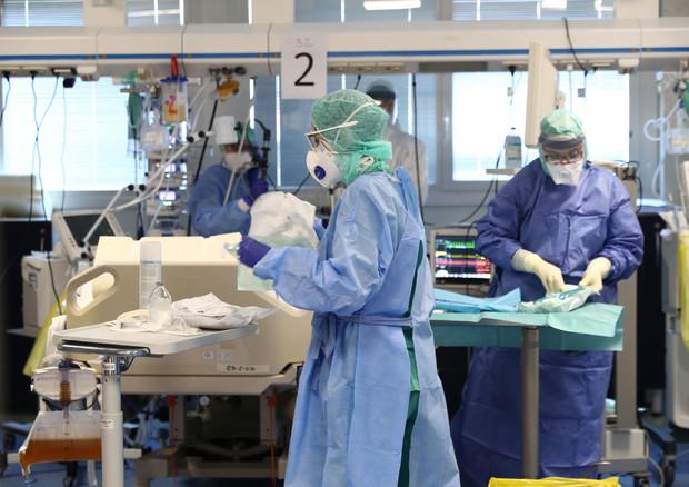 Coronavirus, oltre 4800 i morti in Italia