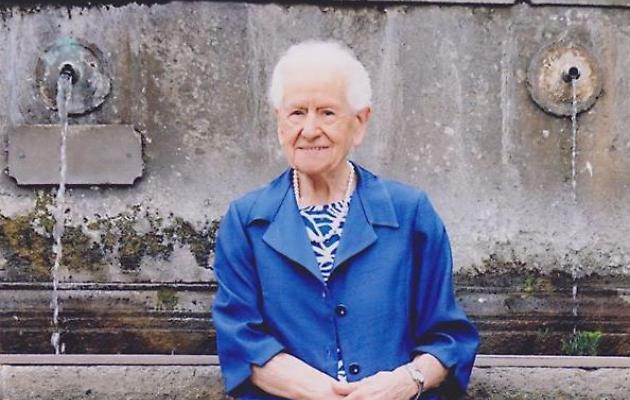 Viterbo, good news: i 104 anni della signora Giovanna Sapio, festa in famiglia con due figlie e tre nipoti