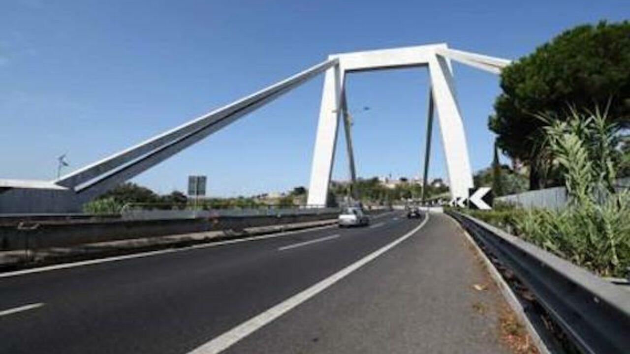 Roma, tenta il suicidio dal viadotto della Magliana, salvato dalla Polizia Locale