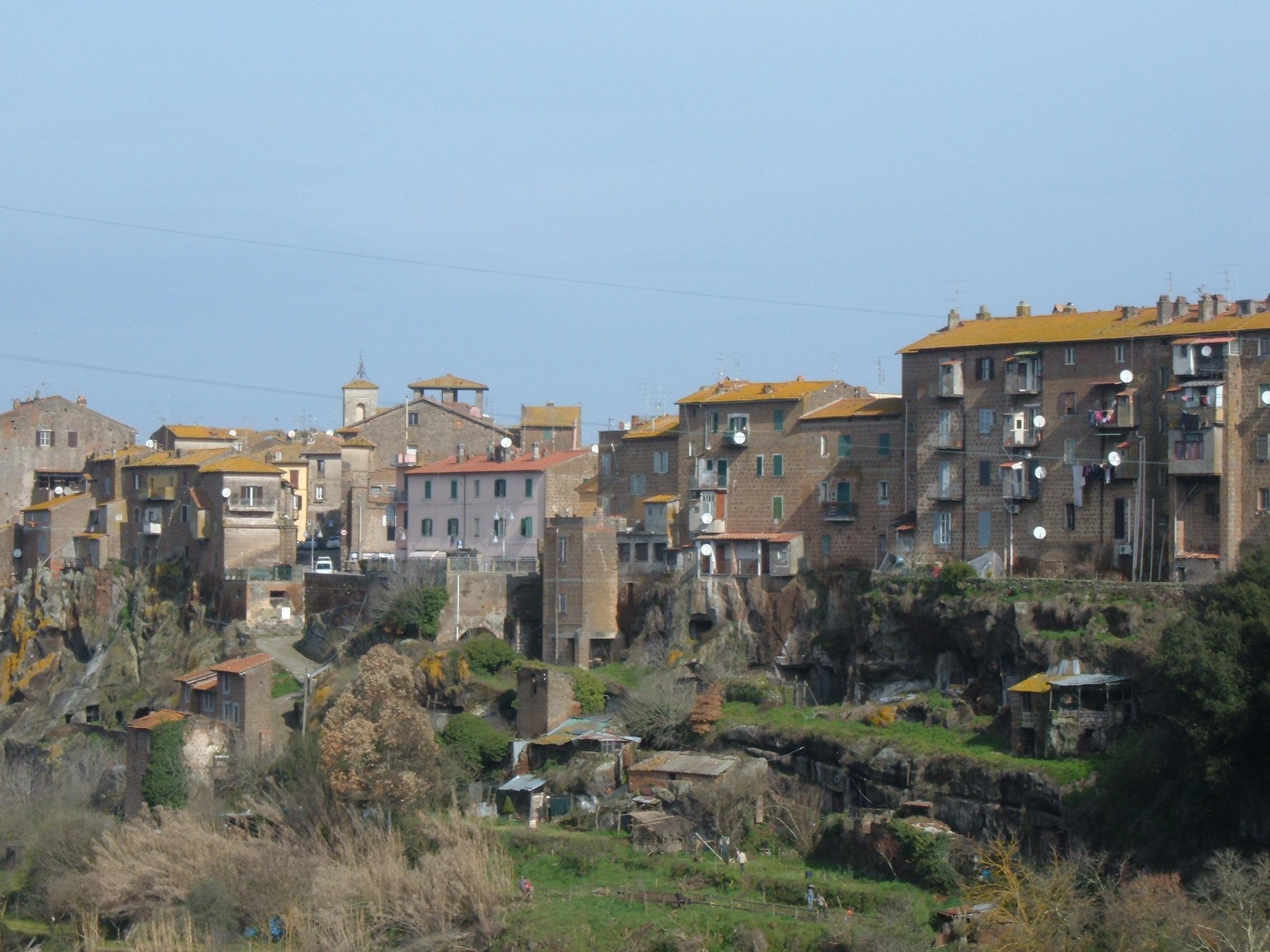 Viterbo, Provincia, Coronavirus, un nuovo caso positivo a Blera, l'annuncio della prima cittadina Elena Tolomei