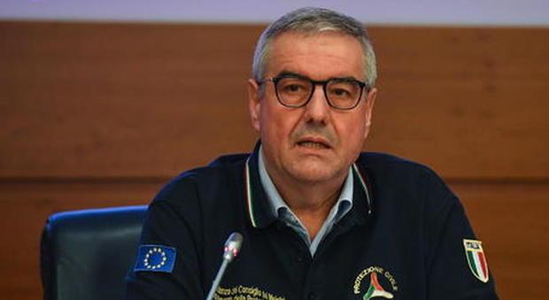 Coronavirus, oltre 15800 i morti in Italia, 525 più di ieri, calano i ricoveri e le persone in terapia intensiva