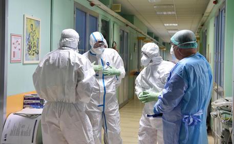 Coronavirus, oltre 16500 morti in Italia, 636 in un giorno