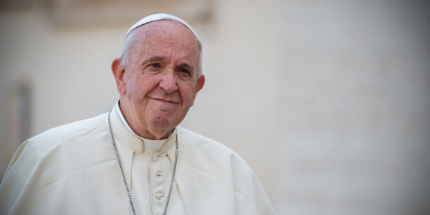 """Coronavirus, il Papa: """"Non si può andare in Chiesa, Messa e Vangelo in casa"""""""