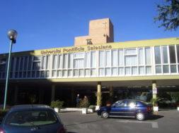 universita-salesiana-sede-convegno-obiettivo-benessere-roma-ingresso