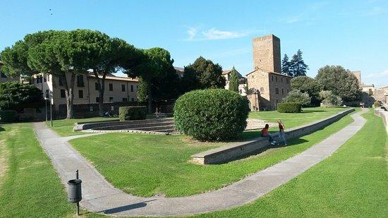 Viterbo, Provincia, Coronavirus, a Tuscania si aspetta  la riapertura dei parchi pubblici da una settimana