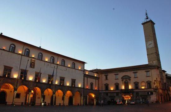 piazza-del-comune-sulla