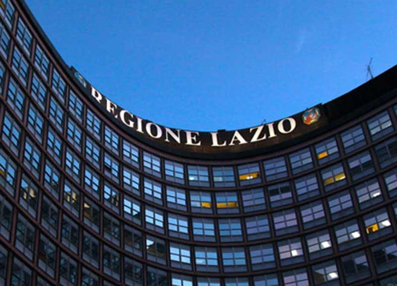 """Piano Rifiuti Regione Lazio, davanti alla Pisana la protesta del partito comunista: """"Siamo per una gestione solo pubblica del ciclo dei rifiuti"""""""