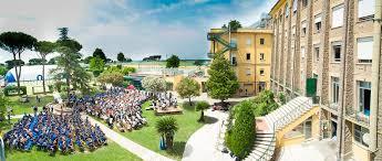 Roma, alunni e dipendenti positivi, istituto della capitale rimanda riapertura scuole