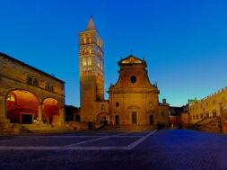 viterbo_piazza_san_lorenzo-600×389