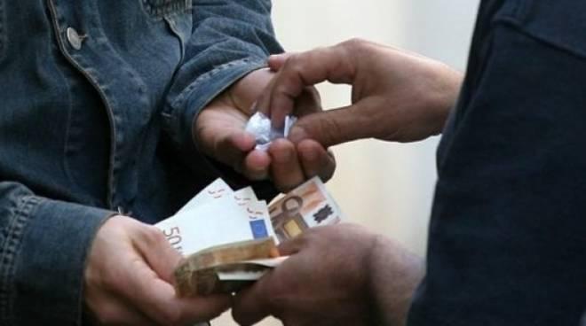 Viterbo, le mafie invadono di droga la Tuscia, nuovo arresto dei carabinieri a Tuscania