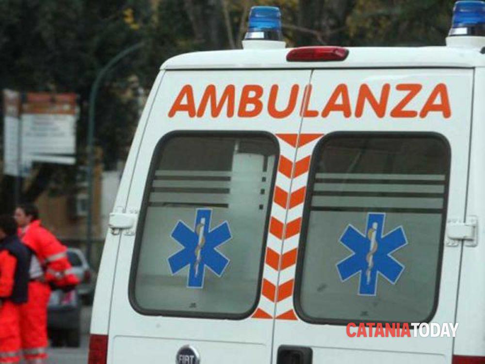 Viterbo, si schianta con l'auto sulla Cimina all'alba, ferito non gravemente