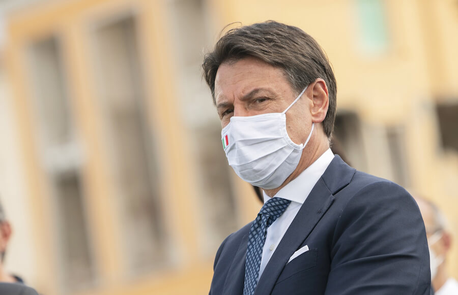 """Covid, Conte: """"Siamo in piena pandemia, attenzione altissima"""""""