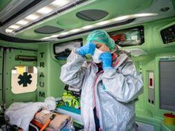 coronavirus_ambulanza_mascherina_fg