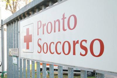 """Covid,  Pronto soccorso  presi d'assalto come """"parcheggio per malati Covid"""", l'allarme dei Medici"""