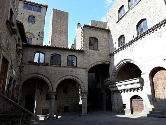 Viterbo, Viterbo antica,  Marì, Mariangela Tristezza in gita cor sinnaco a San Pellegrino a cercà l'Ennelle
