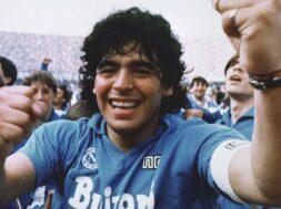 Maradona-Napoli-90-Anni-e1549045495897