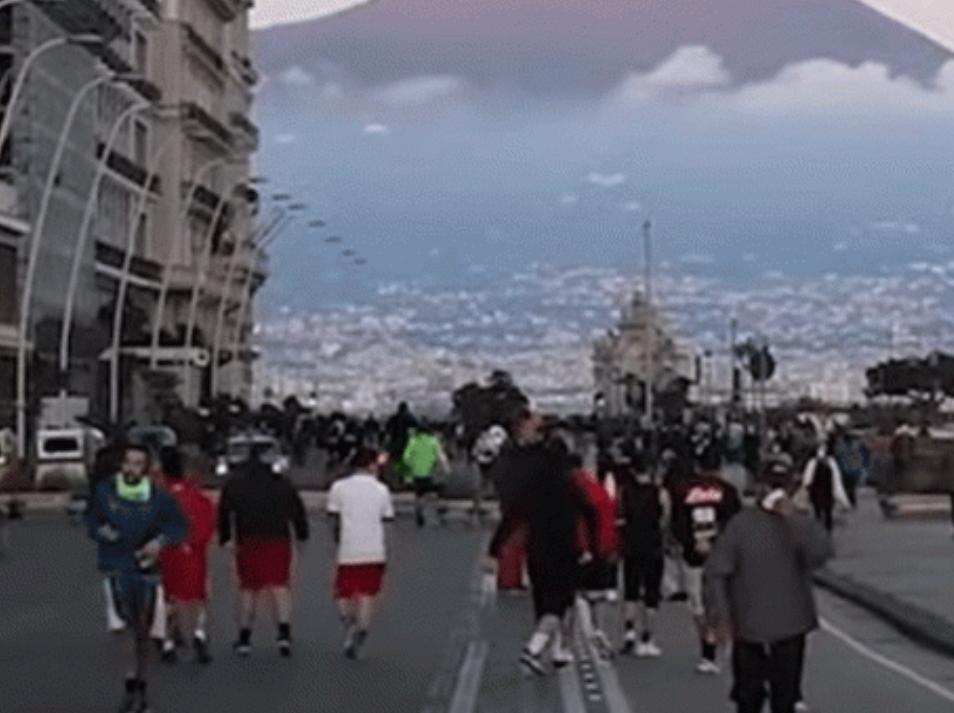 """Napoli, Covid, """"Un week end delirante sul lungomare di Napoli"""", direttamente dalla città partenopea Alessia Schisano"""