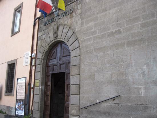 """Viterbo, Ricci il filo-piazzacrispino e le sue vetero-assessoriali passioni, cronache di un pd stra-local sempre più """"museale"""""""