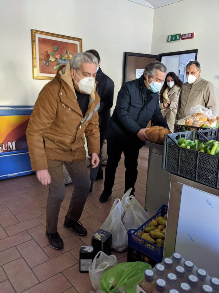 Viterbo, beneficenza elettorale, gaffe istituzionale di Arena-Sberna, Marini con stile si sfila