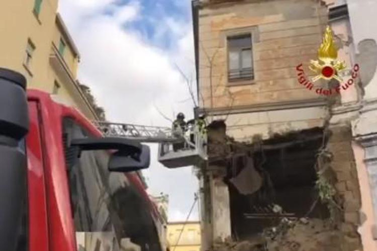Napoli, crolla chiesa del Rosariello in piazza Cavour