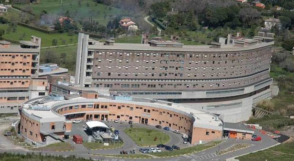 Viterbo, Covid, sale ancora l'indice di positività, in Tuscia quasi all'11%, 67 nuovi casi, muore al Belcolle anziano uomo di Vetralla