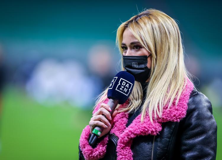 Diritti Tv calcio, la serie A per il triennio 2021-2024 passa a Dazn