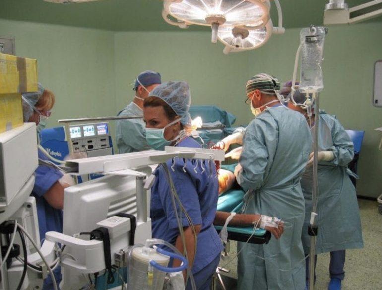 Covid, Italia, salgono a 346 i medici morti