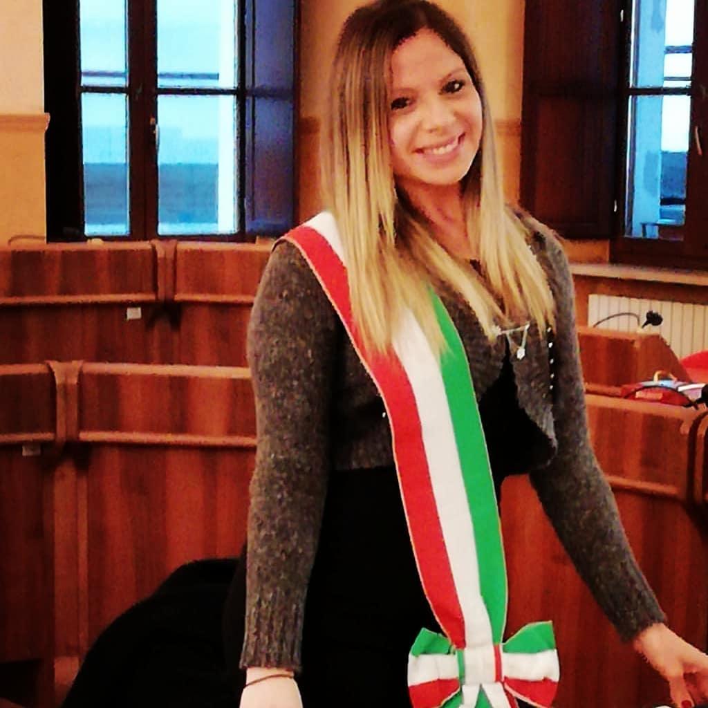 Civita C., note, Mussolini-Vaglio, sarebbe meglio vietare l'uso dei social ai politici
