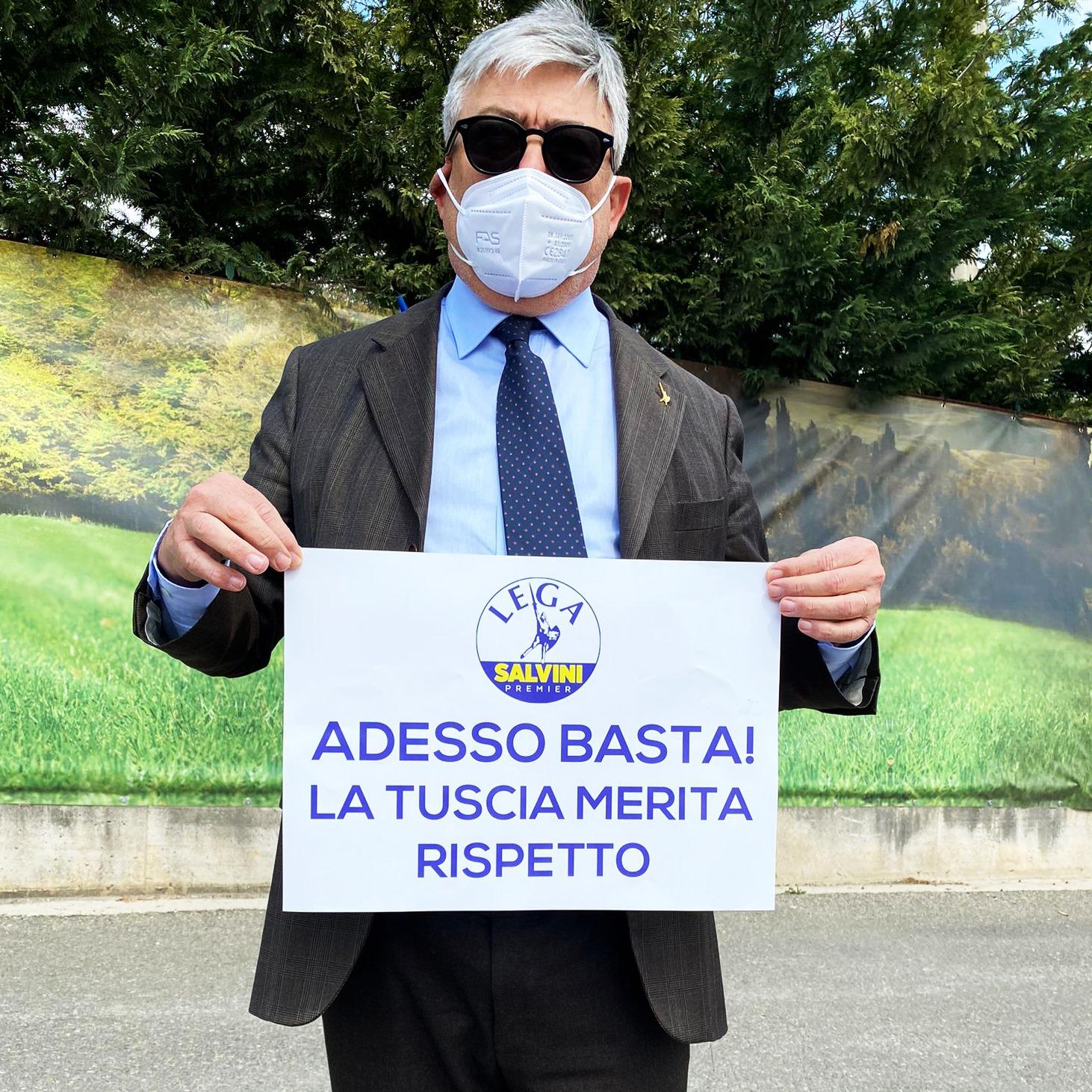 """Viterbo, Rifiuti, """"La Tuscia merita rispetto, ora basta"""", il senatore Fusco porta la Lega in piazza contro le ordinanze regionali"""