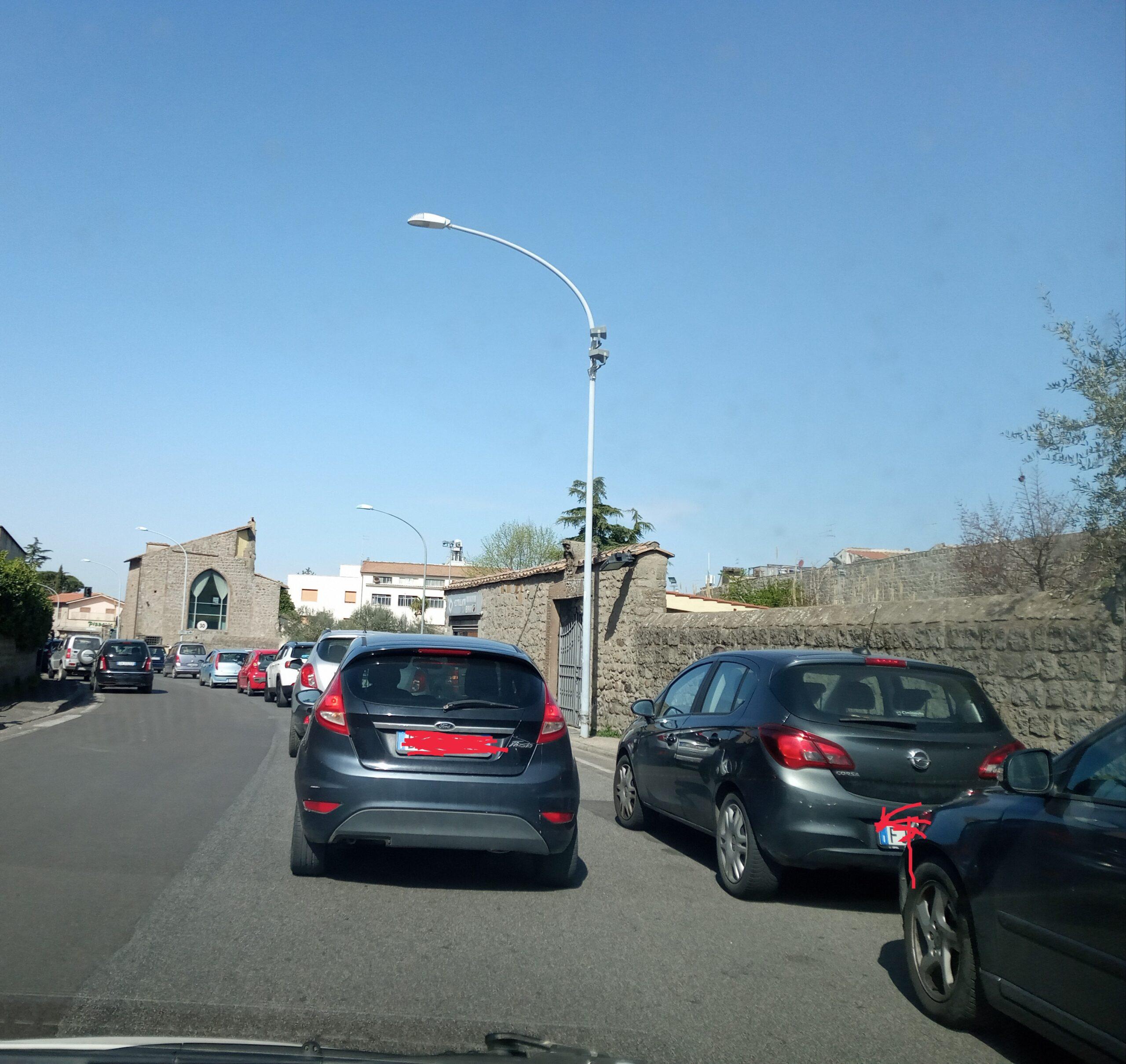Zona rossa, a Viterbo nessuno la rispetta