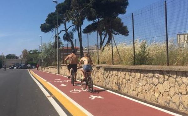 Viterbo, auto a tutta velocità a Tarquinia, proteste in via della Salara