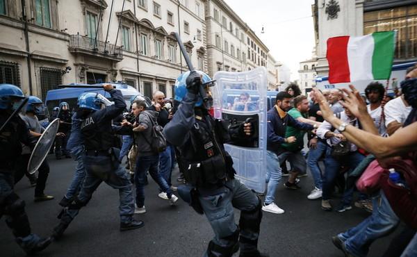 No green pass, assalto all'Umberto I organizzato per liberare 41enne di Viterbo